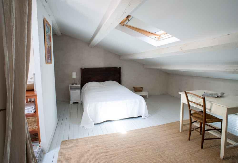 second attick room bed