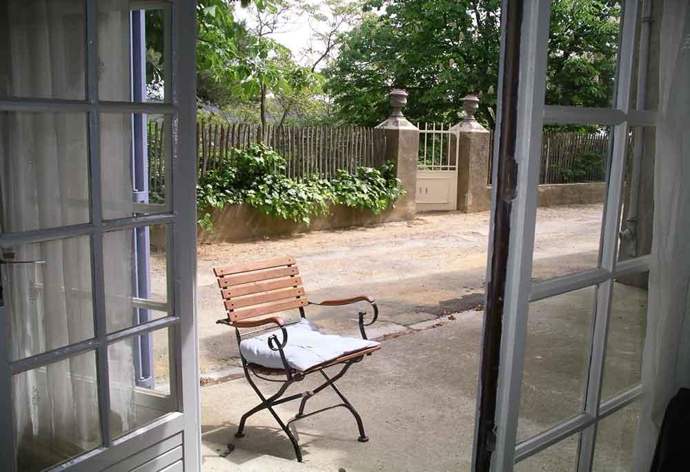 de ingang van de tuin