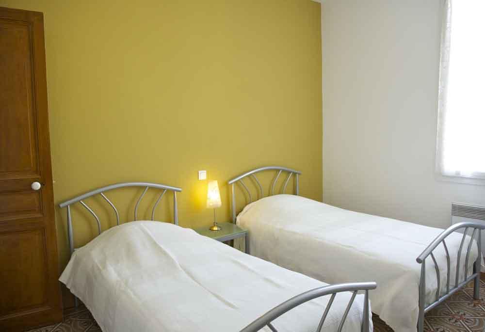 autre chambre aux lits jumeaux