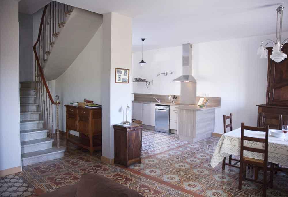 cuisine, salle a manger et escalier