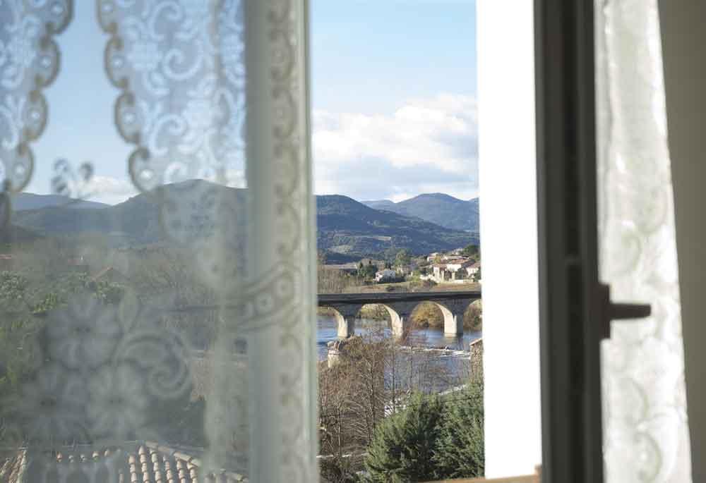 vue sur le pont de Roquebrun
